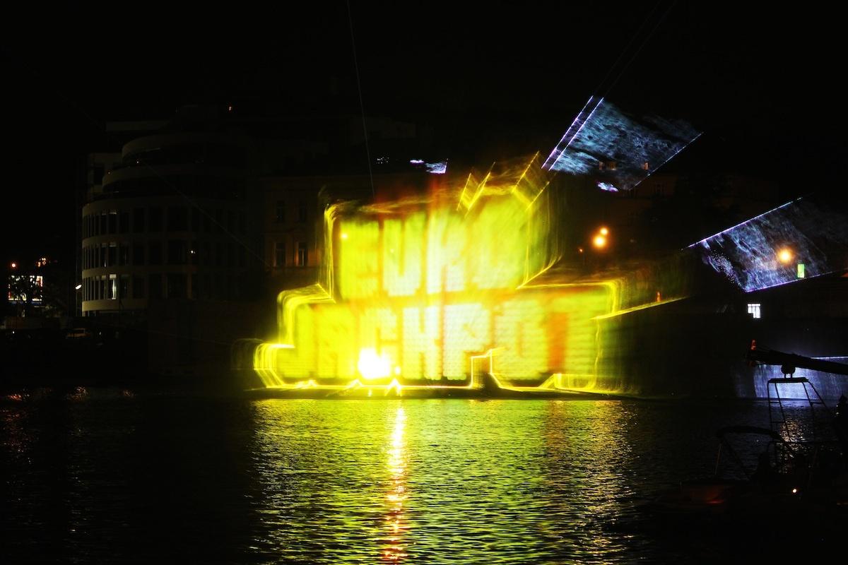 Vodní show na Vltavě