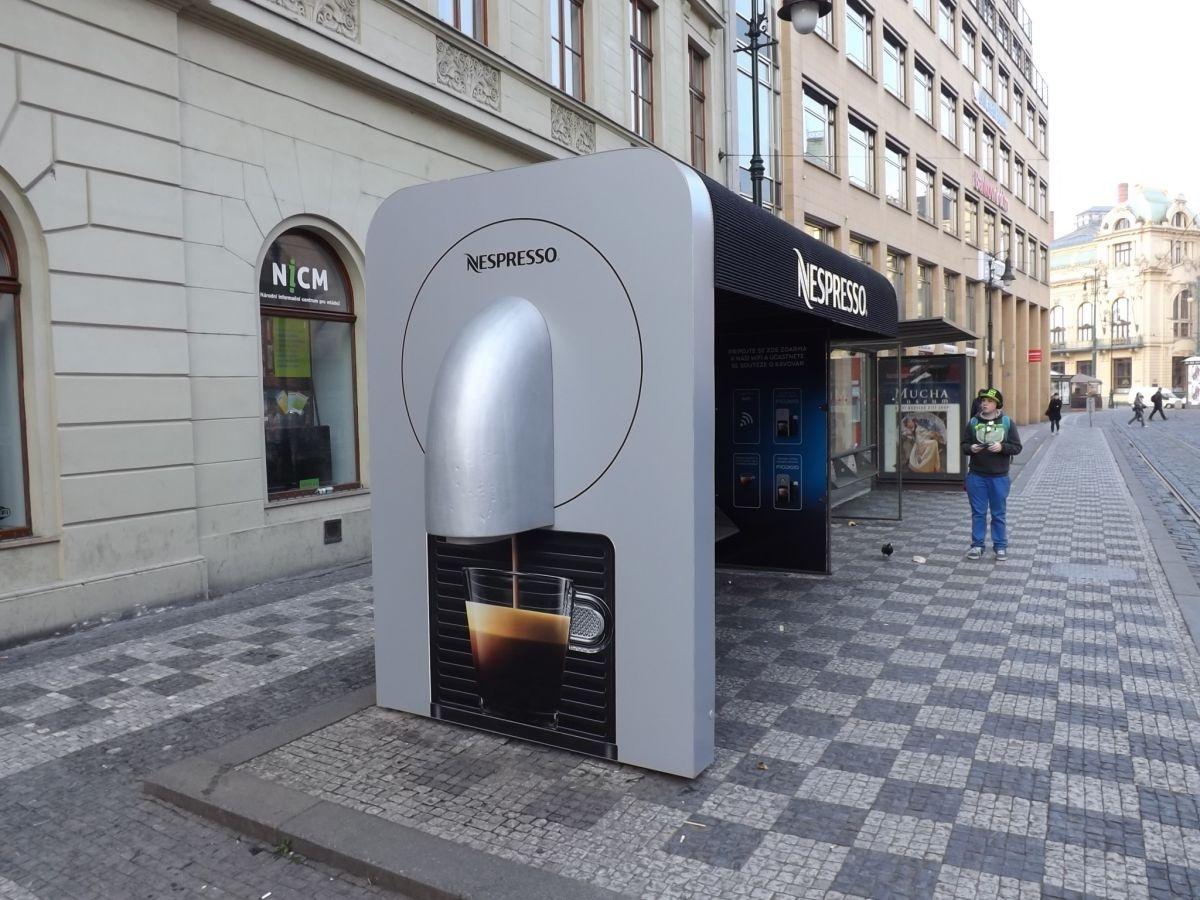Kávovar místo zastávky