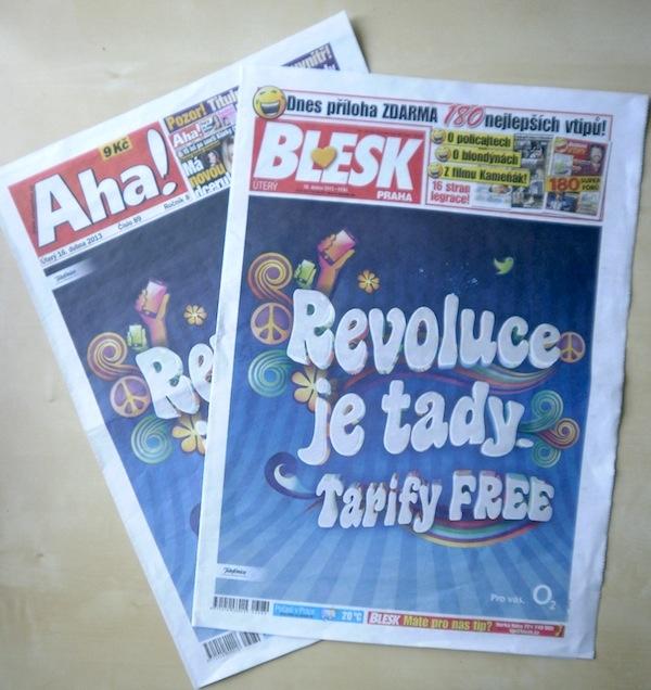 Revoluce je tady / přebal Aha! a Blesku